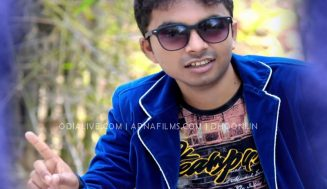 Selfie Bebo Sambalpuri Song by Mantu Chhuria